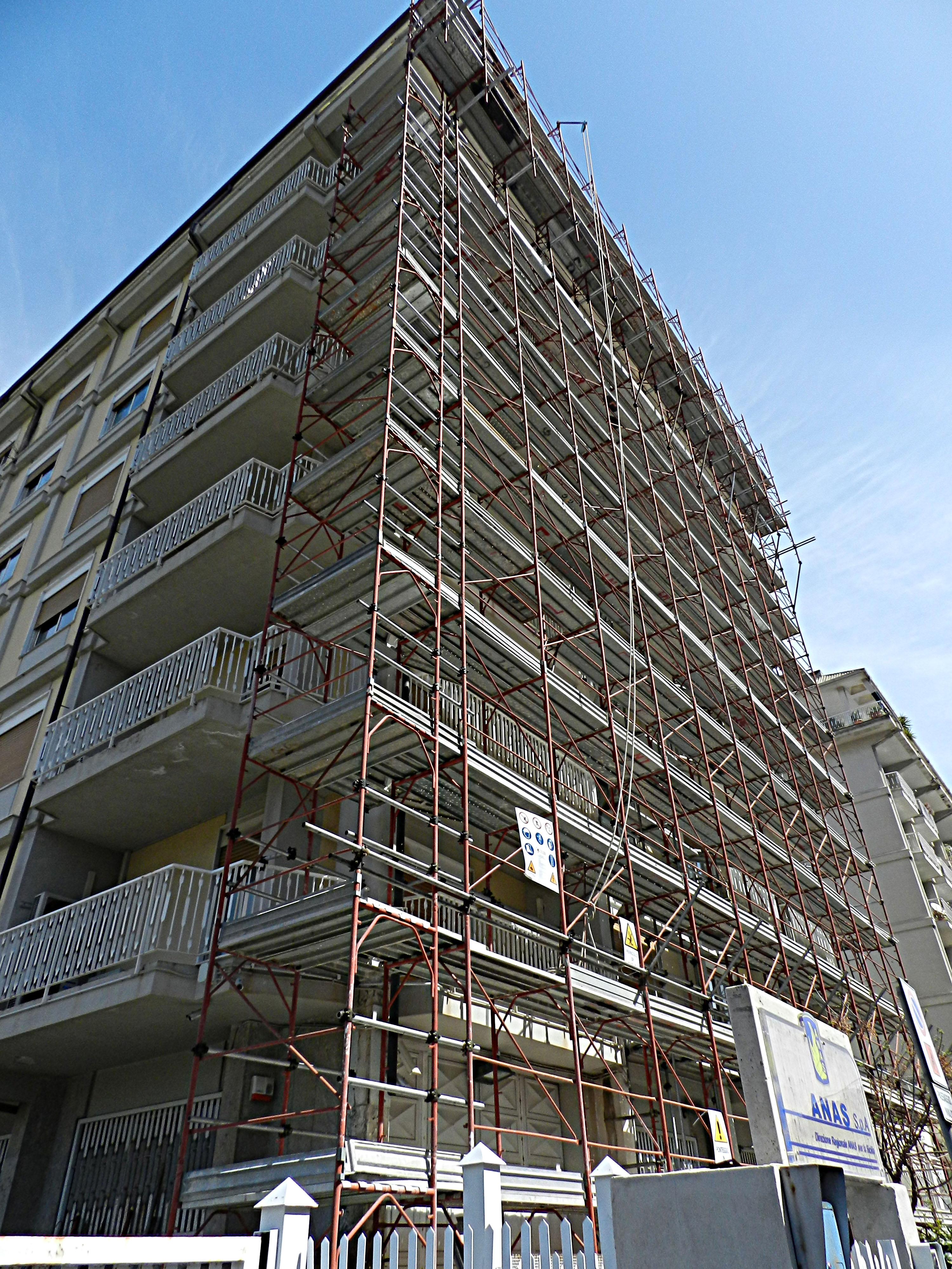 Messa in sicurezza di elementi non strutturali presso la sede ANAS di Palermo